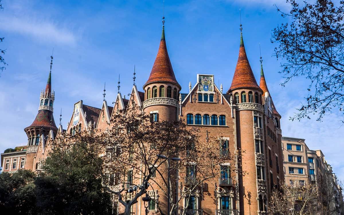 Modernisme or Catalan Art Nouveau • Modernista ...