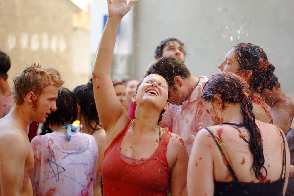 getting to la tomatina from Barcelona spain